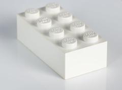 White on White (jeff's pixels) Tags: lego brick white whiteonwhite macromondays macro toy closeup depthoffield dof nikon d850 bird bus train