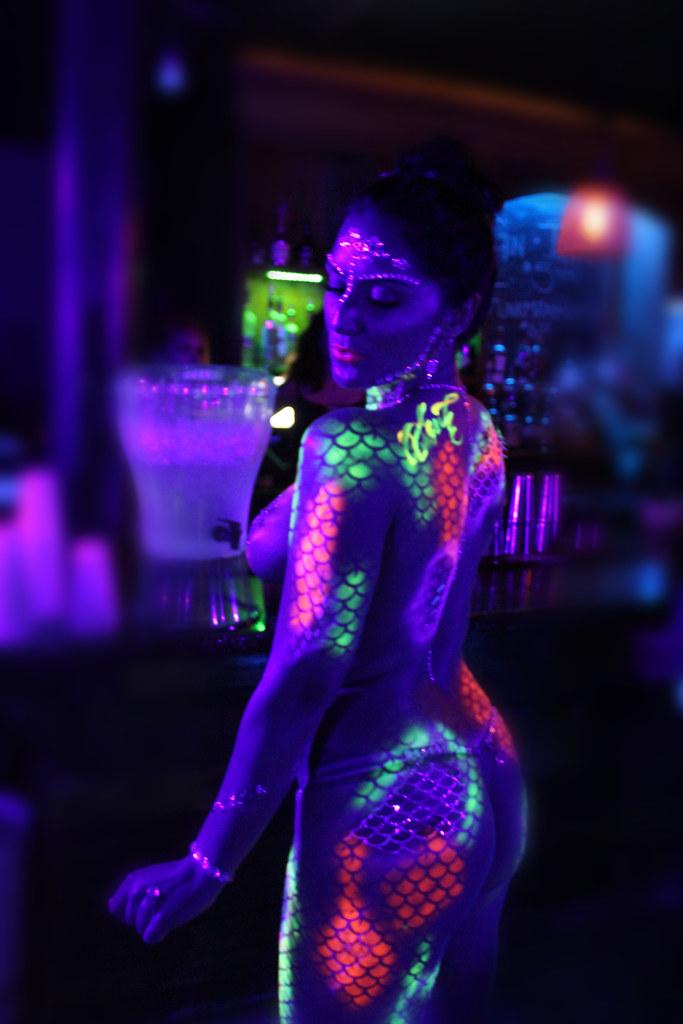 Fluorescent Sexy Body Art