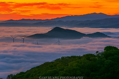 Wind Mills (Jaykhuang) Tags: windmill windtube lowfog sunrise burn ridge layers trivalley livermore eastbay bayarea jayhuangphotography