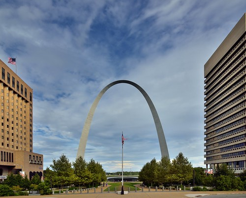 Gateway Arch from the Steps of the Old Courthouse (Gateway Arch National Park)
