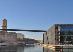 Passerelle (balese13) Tags: 1855mm d5000 marseille méditerranée nikonpassion architecture bleu eau fort fortstjean mucem nikon passerelle pharo quai 1025fav 2550fav