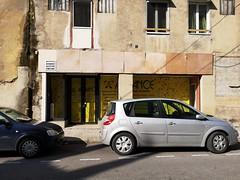 Sur double rue, coté cour (laphotoduxix) Tags: drome 26 façade commerce ancien désertification travaux