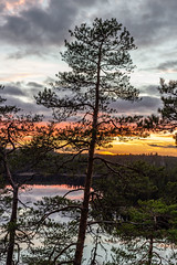 Sunset at Repovesi Nationalpark (SamiPuranen) Tags: sunset auringonlasku repovesi lake tree finland kouvola valkeala kansallispuisto nationalpark canon canonphotography canon6d landscape landscapephotography nature naturephotography 2018 sky skycolors clouds forest water