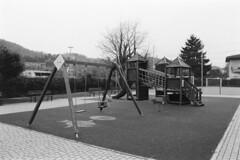 Cernobbio, Via Matteotti, 2018 (sirio174 (anche su Lomography)) Tags: playground playgrounds parcogiochi parchigiochi giochi cernobbio italia viamatteotti italy pentaxmesuper ilfordhp5800