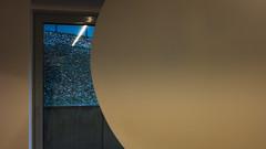 Enigma (frankdorgathen) Tags: spiegelung reflection abstrakt abstract xf10 fujifilm ruhrpott ruhrgebiet essen raum room fenster window