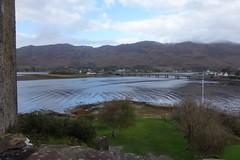 DSC01571 Dornie, Scotland (Fernando Sa Rapita) Tags: scotland escocia dornie sony sonyrx100 sonydscrx100 eileandonan lake lago water agua