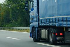 MAN TGX XXL E5 18.500 LLS-U - Hubert Kleinbuntemeyer Transporte GmbH & Co. KG Schapen, Deutschland (Celik Pictures) Tags: deutschland duitsland almanya allemagne germany a3 e56 autobahn autobaan snelweg snellbahn autosnellbahn highway subena3e56dat suben passau nürnberg würzburg frankfurt köln a3e56autobahnpassaunürnbergwürzburgfrankfurtkölndeutschland europe europa seenindeutschland vacationphotos rijdendvoertuigen voertuigen roadvehicles roadphotos driving transport vehicles shootedonhighway shootedfromhighway shootedfromcar lkw pkw car truck hgv lorry