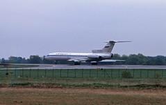 Berlin SXF  2002 Aeroflot TU-154M (rieblinga) Tags: berlin sxf flughafen schönefeld 2002 aeroflot tu154m russland analog canon eos 3 agfa ct precisa 100 diafilm