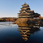 Matsumoto Castle ~ in the Golden Light thumbnail