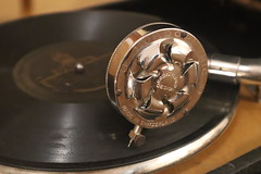 A 1930s gramophone (ioannis_papachristos) Tags: 1926 1926song 1930 worn working functioning lordophonic 78roundsperminute 78rpmdisc 78rpm lordophonic® lordophonic™ audiorecord record audio digital mirrorless canoneosm50 song δισκογραφικήεταιρεία δισκογραφία δίσκοσ αντίκα φωνόγραφοσ γραμόφωνο γραμμόφωνο τραγούδι γιατίμεθώ αττίκ dhiatimetho gsavary savary attik discography odeon rusty familyheirloom heirloom relic bygone history outdated outofdate obsolete vintage antique old discplayer disc phonograph 1930s gramophone