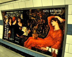 Pre-Raphaelite Tube (Clive Varley) Tags: londonunderground preraphaelite delabatory079 october2018