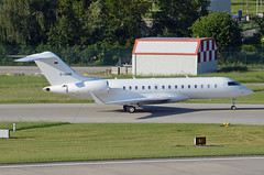 Air Independence Bombardier BD-700-1A10 Global 6000 D-ASNK (EK056) Tags: air independence bombardier bd7001a10 global 6000 dasnk zürich airport