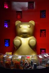 Court of the Golden Gummi bear (radargeek) Tags: mall oklahomacity pennsquaremall 2018 november veteransday lolliandpops candy store gummibear gummi statue