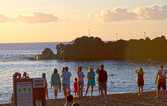 9111_Maui Sunset Taking a Dive (Chicamguy) Tags: hawaii hawaiian islands maui