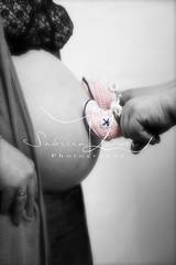 Oft sind es die kleinsten Füße, die die größten Spuren hinterlassen. (MyMoments145) Tags: love pregnant beauty photography pictureoftheday feelings mumtobe studio fotoshooting madewithlove beautyfultimes baby babyinside babybelly newbaby