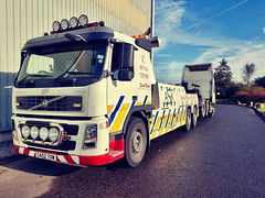 IMG-20181213-WA0020 (JAMES2039) Tags: volvo fm12 ca02tow fh13 globetrotter pn09juc pn09 juc tow towtruck truck lorry wrecker rcv heavy underlift heavyunderlift 8wheeler 6wheeler 4wheeler frontsuspend rear rearsuspend daf lf cf xf 45 55 75 85 95 105 tanker tipper grab artic box body boxbody tractorunit trailer curtain curtainsider tautliner isuzu nqr s29tow lf55tow flatbed hiab accidentunit iveco mediumunderlift au58acj ford f450 renault premium trange cardiff rescue breakdown night ask askrecovery recovery scania 94d w593rsc bn11erv sla superlowapproach demountable
