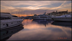 Cannes  Le Suquet vu du port. (Tonino A) Tags: tramonto sunset cannes yachts lesuquet french riviera reflets reflections sérénité couleurs fuji xt tour pose long exposure clocher