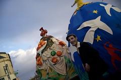 DSC05917 (Distagon12) Tags: portrait personnage people sonya7rii summilux wideaperture dreux défilé parade fête flambarts fêtesderue