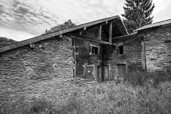 a home grew on its own along the river (Fabrice Gillet) Tags: house cutstone character charming lasemois ardenne belgium bw nb ardoise village abandoned