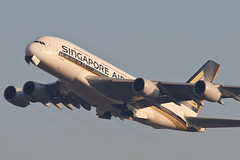 Airbus A-380 9V-SKQ Singapore Airlines (Jarco Hage) Tags: frankfurt am main duitsland germany eddf byjarcohage aviation airplane airport vliegtuig flugzeuge during sunrise sunset sun morning zon zonsopkomst airbus a380 9vskq singapore airlines