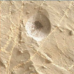 Hole in a Rock (sjrankin) Tags: 2november2018 edited nasa mars msl curiosity galecrater closeup dust sand hole vein lightcolored rocks 2217mh0007060000802957e01dxxx