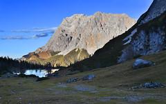 Zugspitze (Pixelkids) Tags: zugspitze miemingerkette seebensee gebirge see wolken abend abendstimmung sonnenuntergang berge bayern tirol alpen landschaft landscape berglandschaft bergsee
