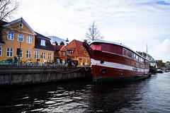 Copenhagen canal (Maria Eklind) Tags: copenhagen denmark canal københavn sky bro himmel bridge köpenhamn regionhovedstaden danmark dk