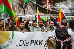 Demonstration: Der Wunsch nach Freiheit lässt sich nicht verbieten! – 01.12.2018 – Berlin - IMG_9975 (PM Cheung) Tags: 25jahrepkkverbot ypg kurden polizei polizeigesetze berlin derwunschnachfreiheitlässtsichnichtverbieten derwunschnachfreiheitlässtsichnichtverbietengemeinsamgegenpolizeigesetze pkkverbotundnationalismus bundesweitedemonstration interventionistischelinke kurdistan rojava türkei 01122018 demonstration demo pag polizeiaufgabengesetz kurdendemonstration pmcheung protest repression überwachung bundesinnenministerhorstseehofer kundgebung 2018 protestfotografie pomengcheung mengcheungpo auftaktkundgebung wwwpmcheungcom aufhebungpkkverbot afd facebookcompmcheungphotography polizeistaat arbeiterparteikurdistans protestveranstaltung rotehilfeev partiyakarkerênkurdistanê ernk bundesinnenministerrudolfseiters auseinandersetzungen rangeleien diepkkgehörtzudeutschland serihilde