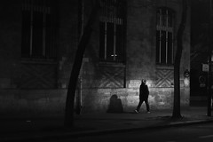 In the dark street (pascalcolin1) Tags: paris13 homme man nuit night ombre shadow lumière light rue street sombre dark mur wall photoderue streetview urbanarte noiretblanc blackandwhite photopascalcolin 50mm canon50mm canon