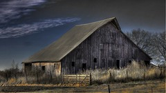 Nebraska Barn (Tim @ Photovisions) Tags: fujifilm barn xt2 nebraska fuji sky clouds fence mirrorless