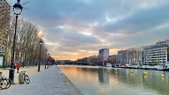 33 Paris décembre 2018 - Bassin de La Villette, Quai de Loire (paspog) Tags: paris france bassindelavillette déecmbre 2018 december lavillette canal