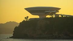 Por do Sol em Icaraí (mcvmjr1971) Tags: blue mac museu de arte contemporanea niteroi brasil rio janeiro 2019 verão sunset por sol ceu sky mmoraes nikon d800e sigma 150500mm os