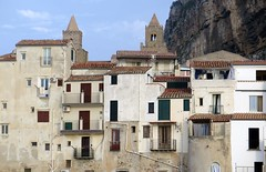 Cefalu, old houses and bell towers (Sokleine) Tags: beach seaside mer méditerranée leisure cefalu sicilia sicile sicily italia italie italy eu europe towers clochers belltowers cathedral houses maisons ancient citycentre historic