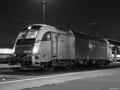 WLC 1215 953 (Márton Botond) Tags: wlc wienerlokalbahnen wienerlokalbahnencargo 1216 class1216 br1216 siemens taurus es64u4 locomotive electriclocomotive train transport trainstation blackwhite budapest hungary europa panasoniclumixdmclz20