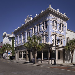 Bluestein Building, Charleston (jtgfoto) Tags: approved building architecture road city sky trees charlestonsouthcarolina charleston southcarolina kingstreet bluesteinbuilding historic historicarchitecture architecturephotography sonyimages sonyalpha rokinon12mm wideanglelens