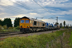 66702 + 66732 - Waterbeach - 04/11/18. (TRphotography04) Tags: gb railfreight gbrf 66702 blue lightning 66732 the first decade 19992009 john smith md pass bannold road waterbeach with 4h29 1300 broxbourne dn tamp sdg gbf whitemoor yard ldc purpose move was changeover 66713 due restricted layout