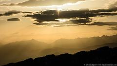 DSC_0471 (www.figedansletemps.com) Tags: chartreuse sommetdupinet leturc leverdesoleil sunrise golden light montagne mountain alpes alps isère savoie dauphiné france altitude relief bivouac morning aube