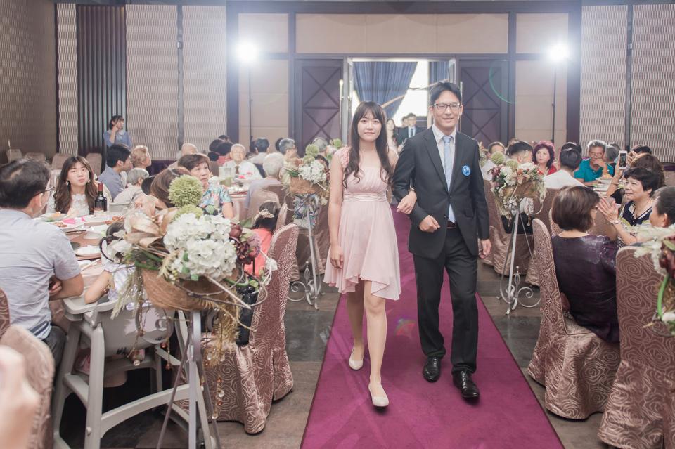 台南東東宴會式場 婚宴 走在幸福的紅毯上 R & B 104
