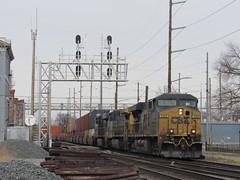 Csx 5362 leads Q143 south through Hamilton,OH. (Deshler Trains) Tags: csx5362 q143 hamilton ohio es44dc ge csx