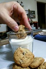 2019-01-16 Cookies & Milk, anyone? (Mary Wardell) Tags: cookies milk cookiesmilk food treated yummy ps