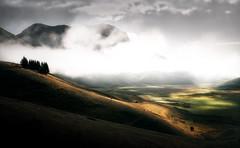 The hills (Massetti Fabrizio) Tags: castelluccio nikond4s 2470f28 landscape landscapes light fog fabriziomassetti famasse mountain mount marche clouds rural tree li