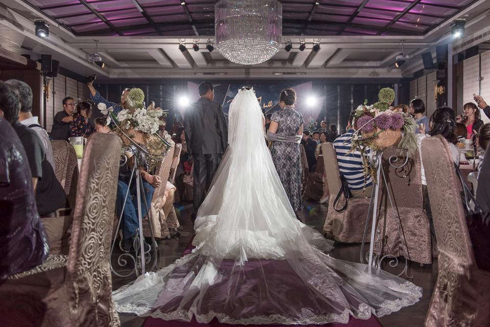 台南東東宴會式場 婚宴 走在幸福的紅毯上 R & B 113
