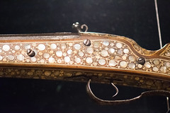 Mother-of-pearl marquetry on antique firearm (quinet) Tags: 2017 amsterdam antik einlegearbeit feuerwaffe marketerie netherlands rijksmuseum ancien antique armeàfeu marqueterie marquetry museum musée