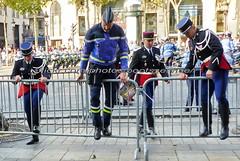 "bootsservice 18 800355 (bootsservice) Tags: armée army uniforme uniformes uniform uniforms bottes boots ""riding boots"" motard motards biker motorbike gants gloves gendarme gendarmes ""gendarmerie nationale"" parade défilé ""14 juillet"" ""bastilleday"" ""champselysées"" paris"