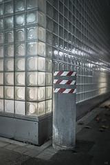 bollard (*altglas*) Tags: glassblocks glassbricks glasbausteine tristesse poller bollard