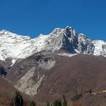 La montagna e la neve thumbnail