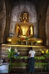 Giving Offerings To The Buddha, Bagan (El-Branden Brazil) Tags: myanmar burma burmese monks buddhism buddhist southeastasia asian asia bagan temple buddha