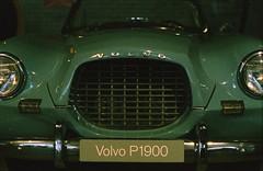 Volvo P1900 (Christian Güttner) Tags: bil car auto samochód volvo volvop1900 analog analogue europa 35mm fujifilm fujifilmprovia400f museum technik schweden sverige sweden film fahrzeug gamla alt bokeh bokhe