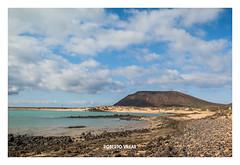 Isla de Lobos 2018-3860b (ROBERTO VILLAR -PHOTOGRAPHY-) Tags: isladelobos photografikarv lzphotografika lanzarotephotográfika photobank beachphoto mejorconunafoto volcanes islascanarias