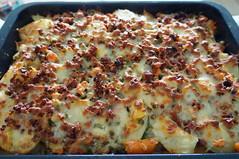 DSC00665 (Kirayuzu) Tags: essen food selbstgemacht selbstgekocht kartoffelauflauf gemüseauflauf auflauf kartoffeln gemüse speck bacon